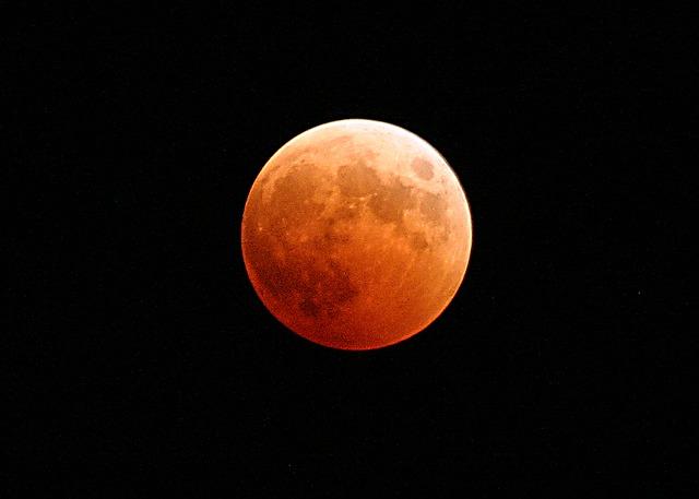 21世紀最長の皆既月食