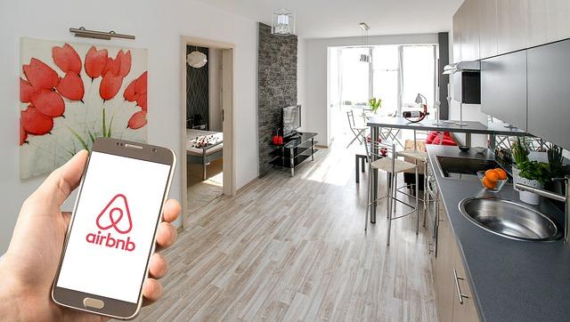 フランスでairbnb。アパートのまた貸し、46,000ユーロの支払い要求