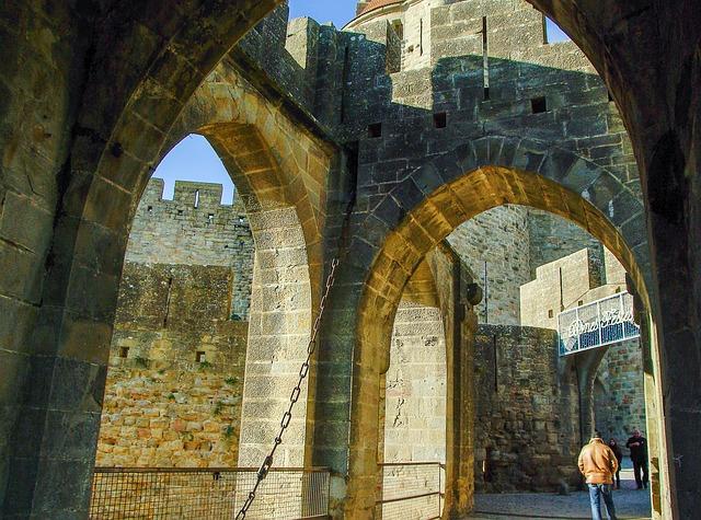 フランスで100か所の歴史的建造物が入場無料