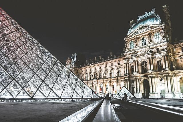 【フランスデモ】ルーブル、オルセー、エッフェル塔…。デモの影響で多くの主要美術館が閉館します