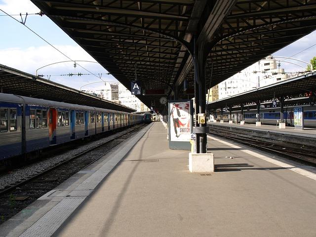 フランス ストライキ最新情報の調べ方。ストライキ日程・国鉄・TGV・地下鉄など