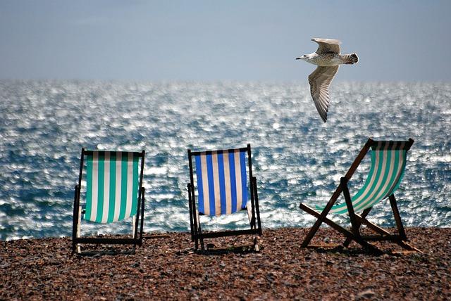 フランスでリゾート気分を満喫!絶景ビーチを探しだす方法