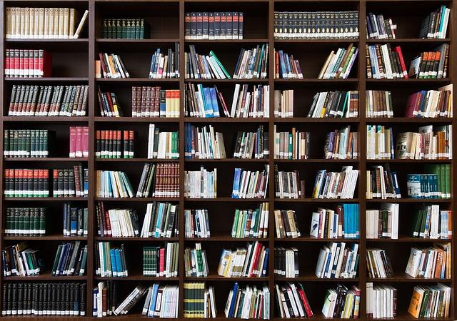 本好きさん集まれ!パリで最も美しく歴史ある書店【5選+α】