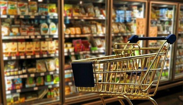 【フランス】実際には買い物ついでにスーパーで服を買う人が結構いる