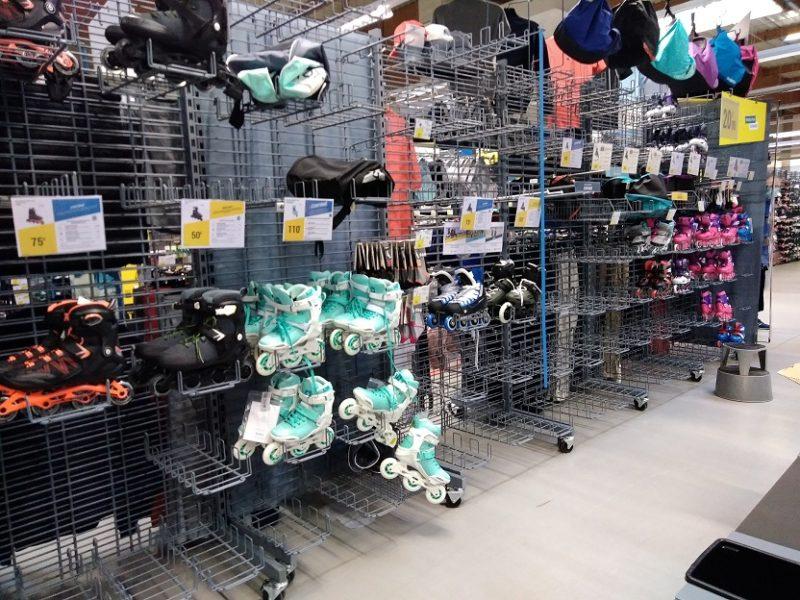 デカトロンのローラーブレード・インラインスケート売り場